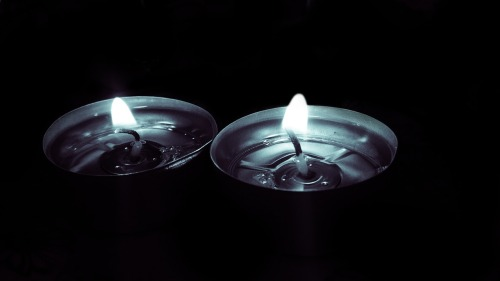 candles-782387_1280